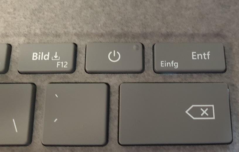 Surface Laptop 3 Einschaltknopf neben Entf-Taste